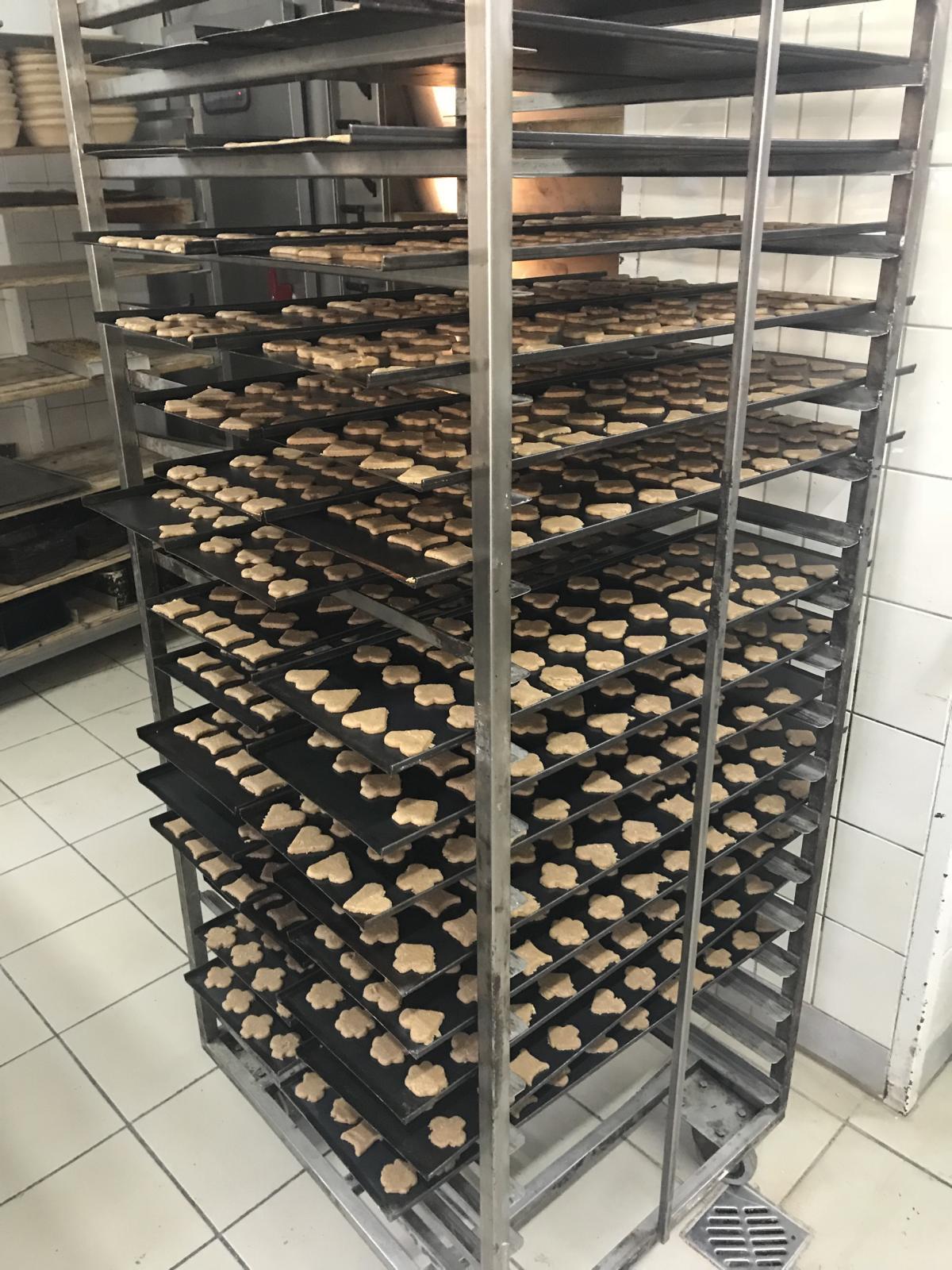 Dinkelvollkornkekse kurz bevor sie gebacken werden.